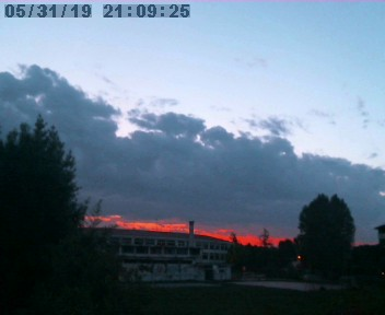 http://www.meteopadova.it/webcam2000/broadcast.jpg